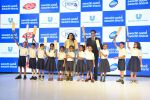 Swachh Aadat Swachh Bharat Advocacy Amabassador Kajol along with Sanjiv Mehta, CEO and Managing Director, Hindustan Unilever Limited with the Ramkulla kids_5a5705a744ac9.JPG
