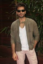 Karan Tacker at the Launch Of Missmalini_s First Ever Book To The Moon on 14th JAn 2018 (64)_5a5cb30728b44.jpg