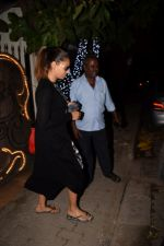 Bipasha Basu Spotted At Myrah Spa Juhu on 15th Jan 2018 (11)_5a5ed7569a695.JPG