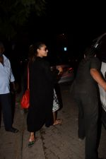 Bipasha Basu Spotted At Myrah Spa Juhu on 15th Jan 2018 (12)_5a5ed7583f9e7.JPG