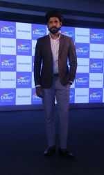 Farhan Akhtar At The Launch Of Dulux Colour Future International Colour Trends 2018 At St Regis on 16th Jan 2017 (11)_5a5ed9e666caa.jpg
