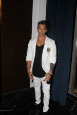 Karan Singh Grover at the Launch Of Dabboo Ratnani Calendar 2018 on 17th Jan 2018 (169)_5a6047bed3070.jpg