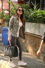 Vaani Kapoor Spotted At Kitchen Garden, Bandra on 17th Jan 2018 (8)_5a603840e3fa9.JPG