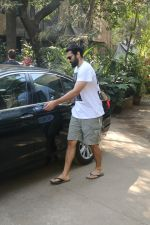 Aditya Roy Kapur Spotted At Bandra on 18th Jan 2018 (10)_5a61ee4bddc20.JPG