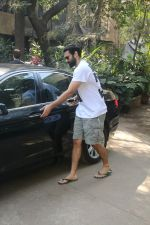 Aditya Roy Kapur Spotted At Bandra on 18th Jan 2018 (11)_5a61ee4db611b.JPG