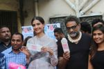 Sonam Kapoor, R.Balki Promotion Of Padman With Children on 21st Jan 2018 (22)_5a6595aa26c60.JPG