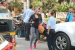 Bipasha Basu Spotted At Kitchen Garden on 23rd Jan 2018 (11)_5a682330f07e2.JPG