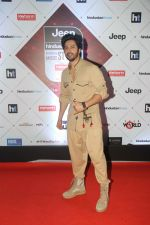 Varun Dhawan at the Red Carpet Of Ht Most Stylish Awards 2018 on 24th Jan 2018 (125)_5a69e7769f3e8.jpg