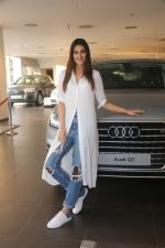 Kriti Sanon Taking The Delivery Of The Audi Q7 on 25th Jan 2018 (11)_5a6ad0ba649ea.JPG