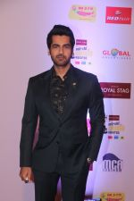 Arjan Bajwa at Mirchi Music Awards in NSCI, Worli, Mumbai on 28th Jan 2018 (62)_5a6ebf7db1c59.JPG