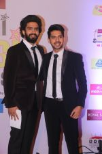 Armaan Malik, Amaal Malik at Mirchi Music Awards in NSCI, Worli, Mumbai on 28th Jan 2018 (92)_5a6ebf9719df7.JPG