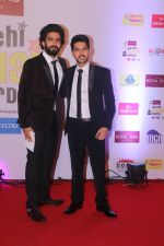 Armaan Malik, Amaal Malik at Mirchi Music Awards in NSCI, Worli, Mumbai on 28th Jan 2018 (96)_5a6ebf985ac03.JPG