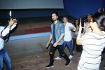 Shahid Kapoor Surprised Padmaavat_s Audience in Chandan Cinema on 28th Jan 2018 (5)_5a6eb49dd58e2.JPG