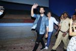 Shahid Kapoor Surprised Padmaavat_s Audience in Chandan Cinema on 28th Jan 2018 (6)_5a6eb49fbc736.JPG