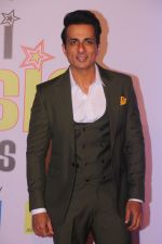 Sonu Sood at Mirchi Music Awards in NSCI, Worli, Mumbai on 28th Jan 2018 (186)_5a6ec1dd89d01.JPG