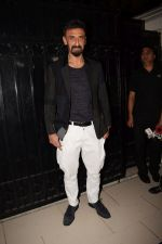 Rahul Dev at Ekta Kapoor_s party at her juhu home on 29th Jan 2018 (47)_5a70043c42f69.jpg