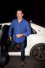 Vivek Oberoi at Ekta Kapoor_s party at her juhu home on 29th Jan 2018 (7)_5a7004c7e866a.jpg