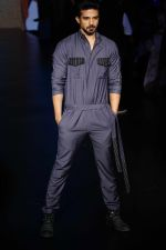 Saqib Saleem at Lakme Fashion Week 2018 on 31st Jan 2018 (10)_5a72b4b870a62.JPG