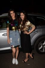 Kriti Sanon, Nupur Sanon at Actor Varun Sharma Birthday Party on 4th Feb 2018 (66)_5a7824e9baad0.jpg