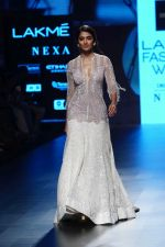 Pooja Hegde at Lakme Fashion Week 2018 on 4th Feb 2018 (24)_5a7812edf2193.JPG