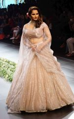 Sania Mirza at Lakme Fashion Week 2018 on 3rd Feb 2018 (3)_5a780fd1d16f4.JPG