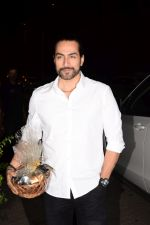 Sudhanshu Pandey at Actor Varun Sharma Birthday Party on 4th Feb 2018 (13)_5a782570075f9.jpg