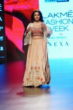 Tisca Chopra at Lakme Fashion Week 2018 on 4th Feb 2018 (37)_5a78133836966.JPG