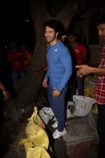 Varun Dhawan Spotted At Gym on 3rd Feb 2018 (10)_5a780bf9623cf.JPG