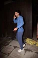 Varun Dhawan Spotted At Gym on 3rd Feb 2018 (3)_5a780bf521581.JPG