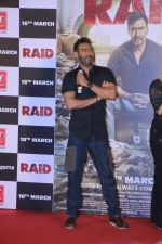 Ajay Devgn at the Trailer launch of film Raid at PVR, Juhu,Mumbai on 5th Feb 2018 (83)_5a79667949577.JPG