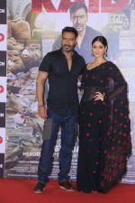Ajay Devgn, Ileana D_Cruz at the Trailer launch of film Raid at PVR, Juhu,Mumbai on 5th Feb 2018 (78)_5a79667f70b1c.JPG