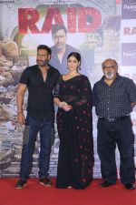 Ajay Devgn, Ileana D_Cruz, Saurabh Shukla at the Trailer launch of film Raid at PVR, Juhu,Mumbai on 5th Feb 2018 (80)_5a79668112b0e.JPG