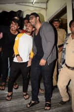 Arjun Kapoor spotted at pvr juhu on 6th Feb 2018 (55)_5a7a99fa354be.JPG