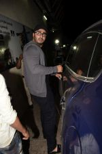 Arjun Kapoor spotted at pvr juhu on 6th Feb 2018 (60)_5a7a99fc8e687.JPG