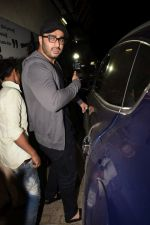 Arjun Kapoor spotted at pvr juhu on 6th Feb 2018 (62)_5a7a99fdcf582.JPG