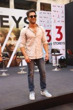 Pulkit Samrat at the Trailer Launch OF Film 3 Storeys on 7th Feb 2018 (15)_5a7c0cb7ea45d.JPG