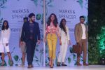 Esha Gupta, Ali Fazal at Marks & Spencer spring summer collection launch at Fourseasons mumbai on 8th Feb 2018 (4)_5a7d43b627913.jpg