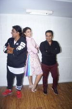 Ganesh Acharya, Jacqueline Fernandez, Ahmed Khan promote Baaghi 2 Ek Do Teen Song on 10th Feb 2018 (13)_5a7fedfd8a6a7.JPG