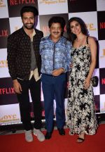 Vicky Kaushal, Alankrita Sahai, Udita Narayan at the Screening of Ronnie Screwvala_s film Love per square foot in Cinepolis, Andheri, Mumbai on 10th Feb 2018 (31)_5a81331ac2a45.JPG