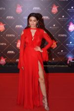 Surveen Chawla at Femina Beauty Awards 2018 on 15th Feb 2018 (78)_5a866b818538f.JPG