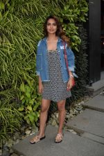 Esha Gupta Spotted At Charcoal Project on 16th Feb 2018 (11)_5a882cbfed2d1.JPG