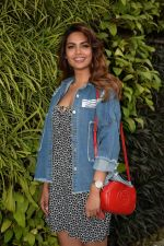 Esha Gupta Spotted At Charcoal Project on 16th Feb 2018 (15)_5a882cc990bf3.JPG