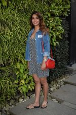Esha Gupta Spotted At Charcoal Project on 16th Feb 2018 (16)_5a882ccc00cd0.JPG