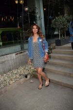 Esha Gupta Spotted At Charcoal Project on 16th Feb 2018 (17)_5a882cceb5f1f.JPG