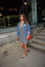 Esha Gupta Spotted At Charcoal Project on 16th Feb 2018 (18)_5a882cd14bba7.JPG