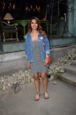 Esha Gupta Spotted At Charcoal Project on 16th Feb 2018 (19)_5a882cd397a90.JPG