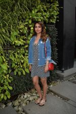 Esha Gupta Spotted At Charcoal Project on 16th Feb 2018 (3)_5a882cb142104.JPG