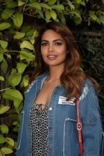 Esha Gupta Spotted At Charcoal Project on 16th Feb 2018 (6)_5a882cb78dc81.JPG
