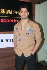 Sidharth Malhotra at the launch of Carnival cinema Lounge in carnival cinema, Andheri on 16th Feb 2018 (29)_5a883c9515a0c.JPG