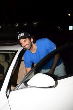 Aditya Roy Kapoor Spotted At Pvr on 18th Feb 2018 (19)_5a894df5835a1.JPG